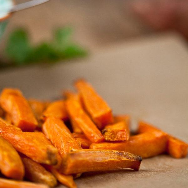 Süßkartoffel Pommes selbstgemacht mit Dip