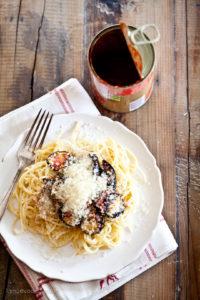 Spaghetti mit Dosentomaten